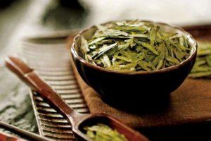 How to Transform Tea Leaves into Green Tea?